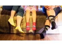 Носки для всей семьи, детская обувь и другие товары
